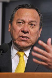 Jesús Zambrano, dirigente del PRD.