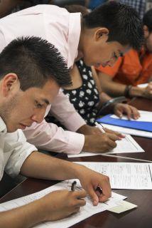 Los jóvenes amparados por la Acción Diferida pueden inscribirse en coleg...