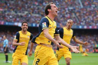 Godín celebra el gol del empate que vale una Liga para el Atlético de Ma...