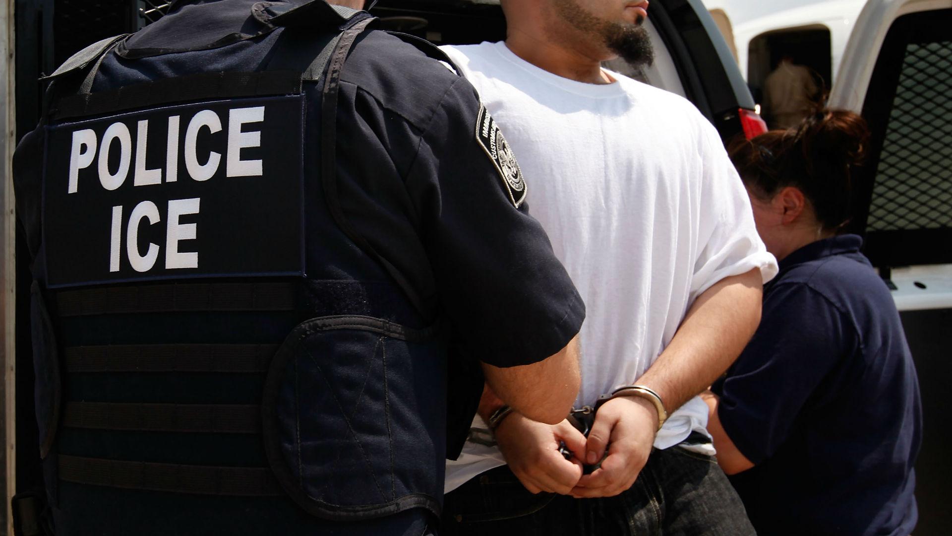 immigration agents arrest 114 - HD1500×1125