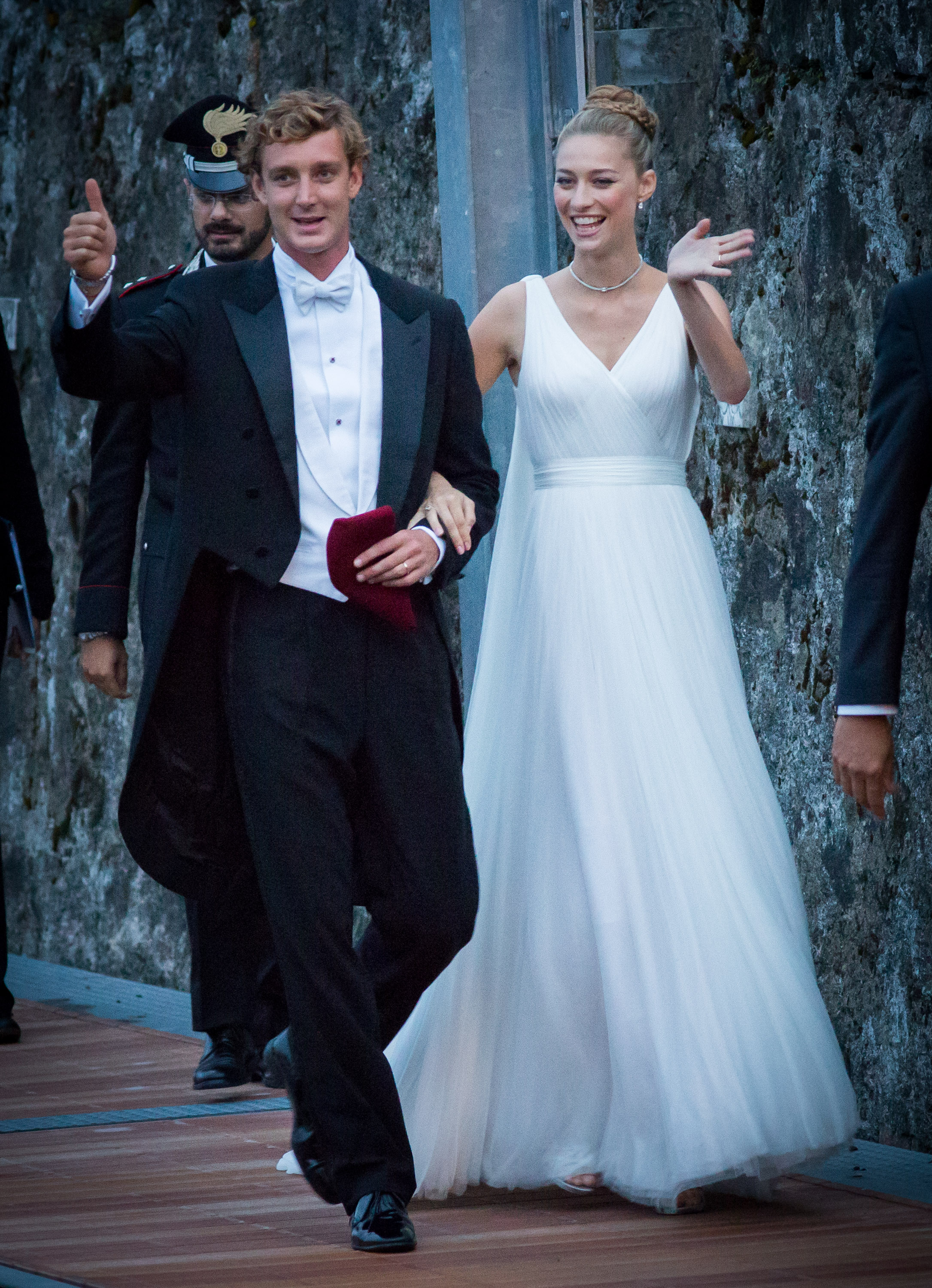 Interactive: This is how Meghan looks with the wedding dresses of ...