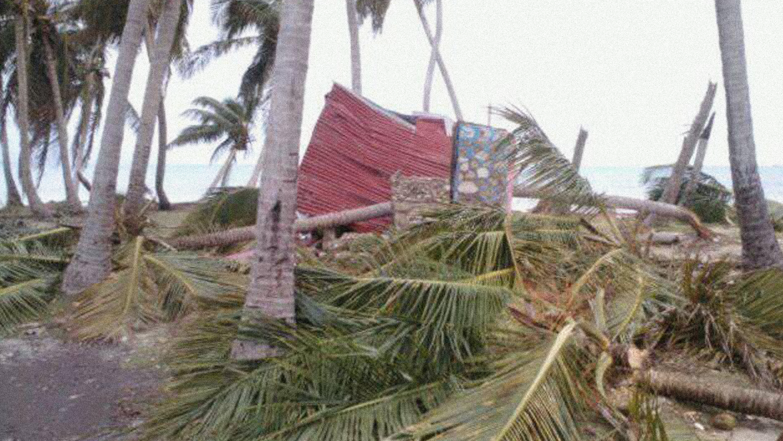 Florida braces for Matthew as relief effort