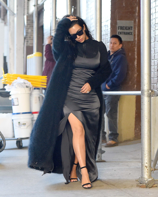 Kim Kardashian Y Su Vestido Súper Ajustado