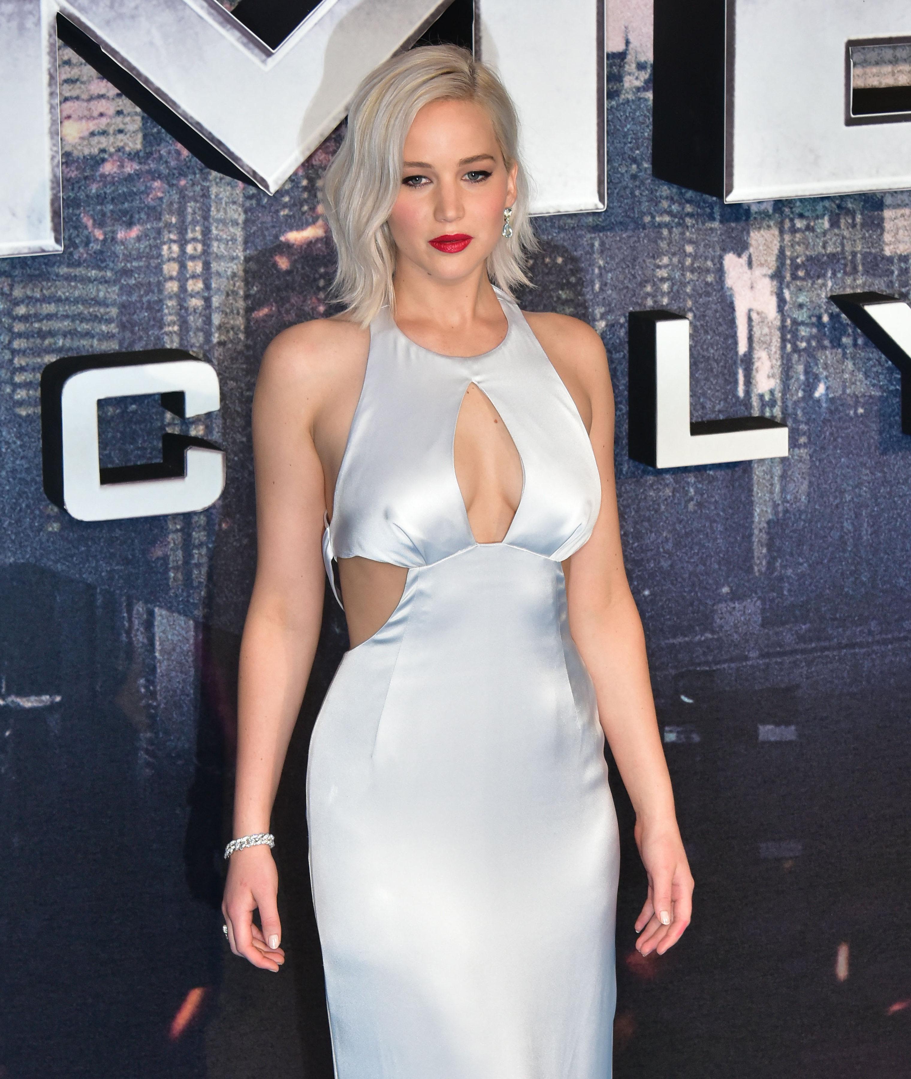 Jennifer Lawrence Presume Escotazo En Premiere De X-Men