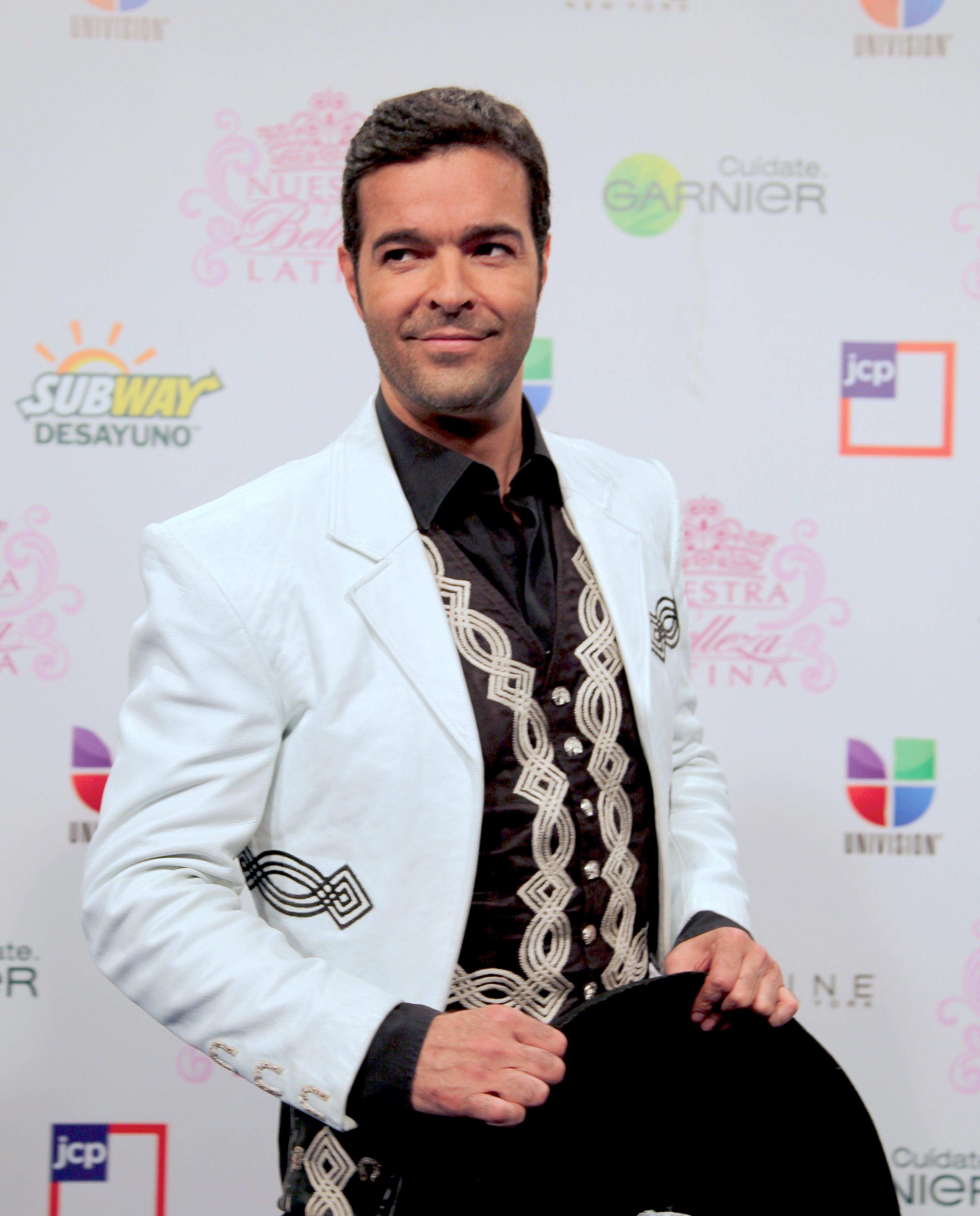 ¡Pablo Montero Podría Interpretar A Joan Sebastian!