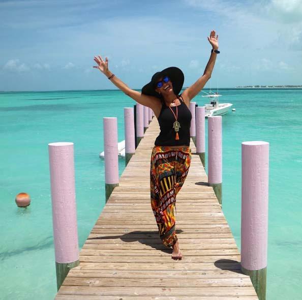 Las Divertidas Vacaciones De Lili Estefan En Bahamas