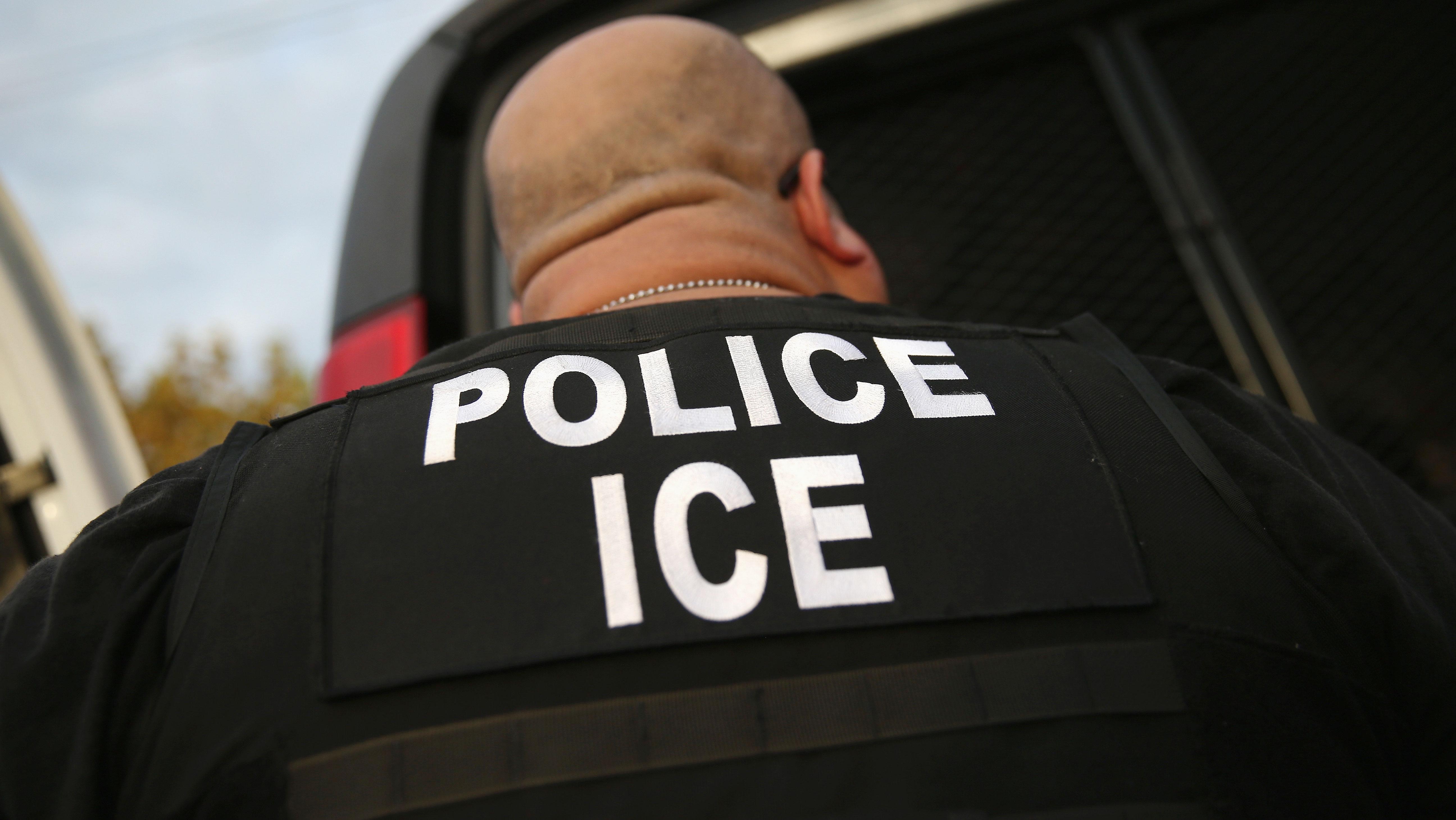 Cuáles son los derechos de los inmigrantes indocumentados que viven ...