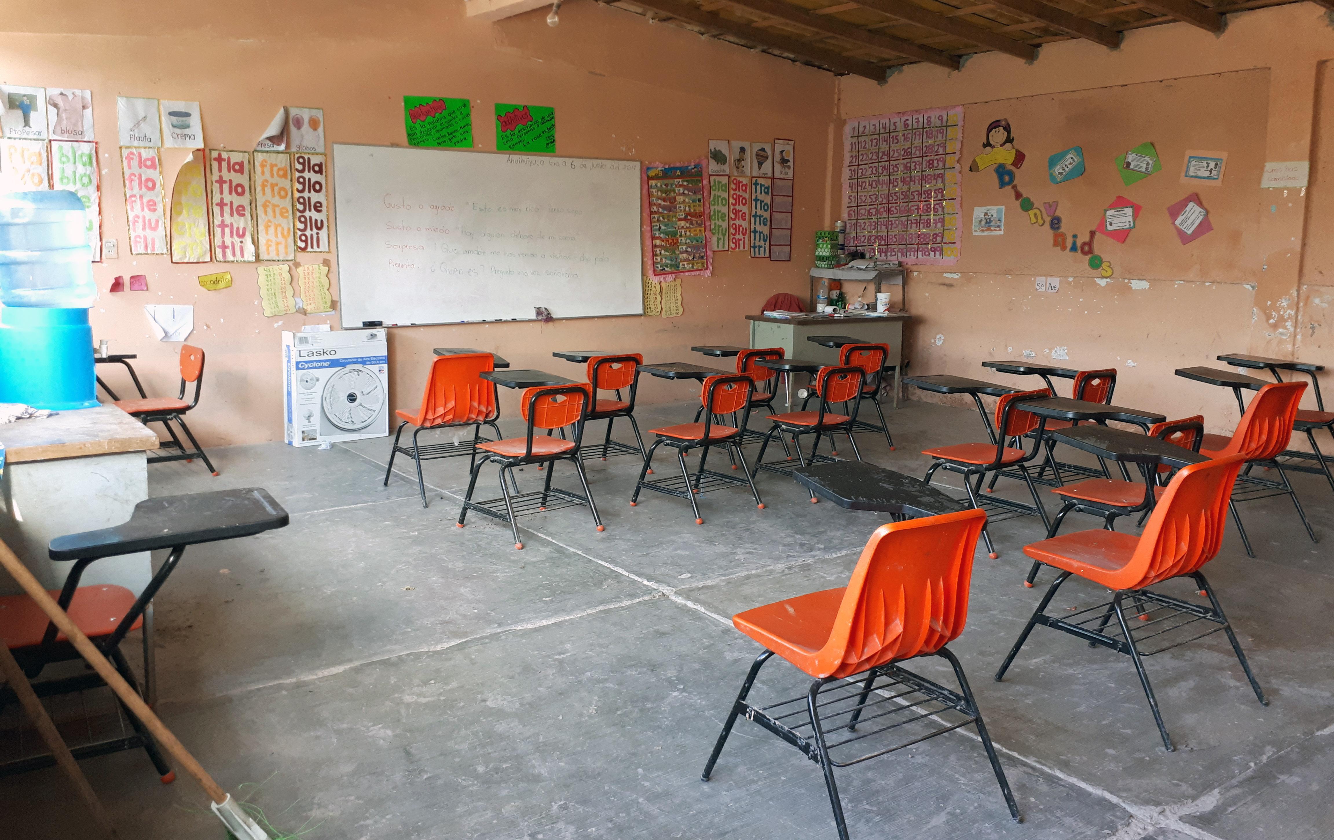 Cientos de escuelas en el sur de México llevan cerradas más de 40 ...
