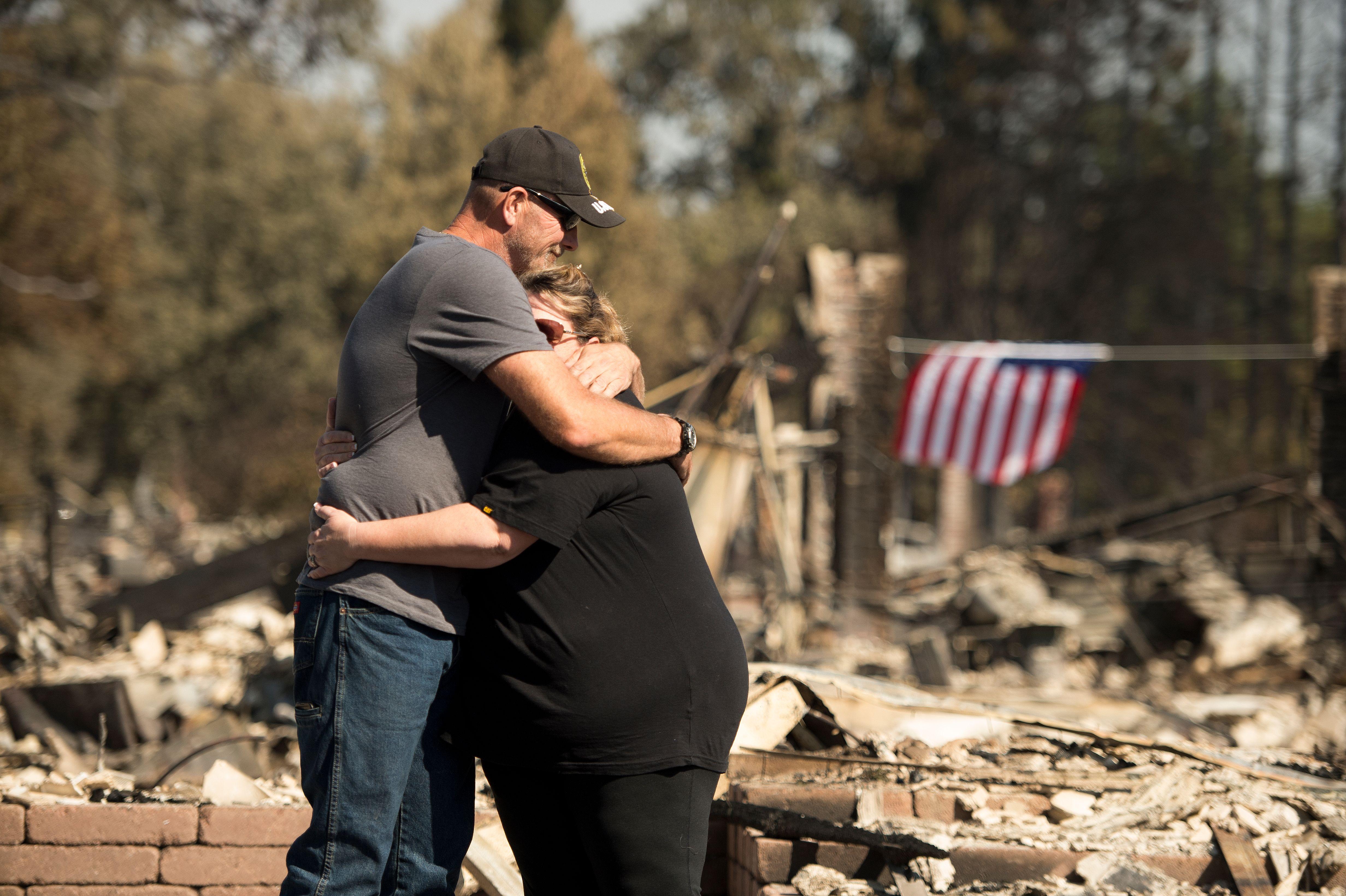 Se eleva a 38 la cifra de muertos en California, en la semana de incendios más mortíferos de su historia