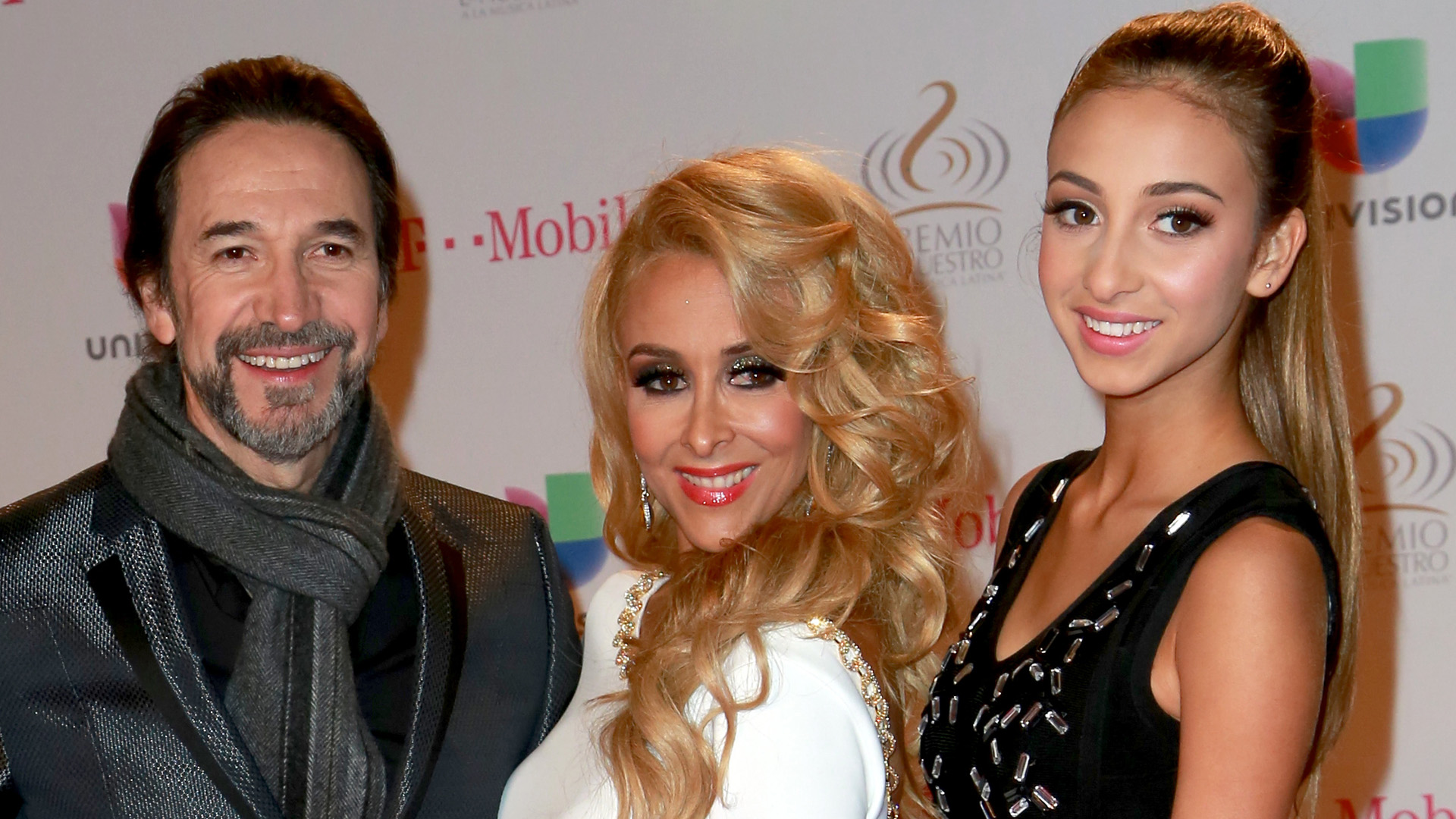 La hija de \'El Buki\' se luce como modelo en Los Ángeles - Univision