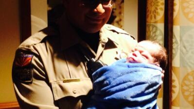 Agente de DPS ayuda en parto en plena carretera IMG_0305.jpg