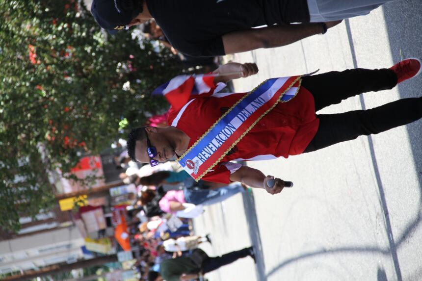 Celebra La X en el Desfile Dominicano en NJ IMG_1859.JPG