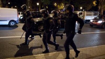 Policías de España actuando durante una manifestación.