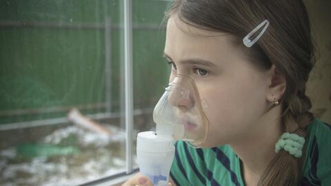 Para los asmáticos quedarse en casa supone otros riesgos debido a...