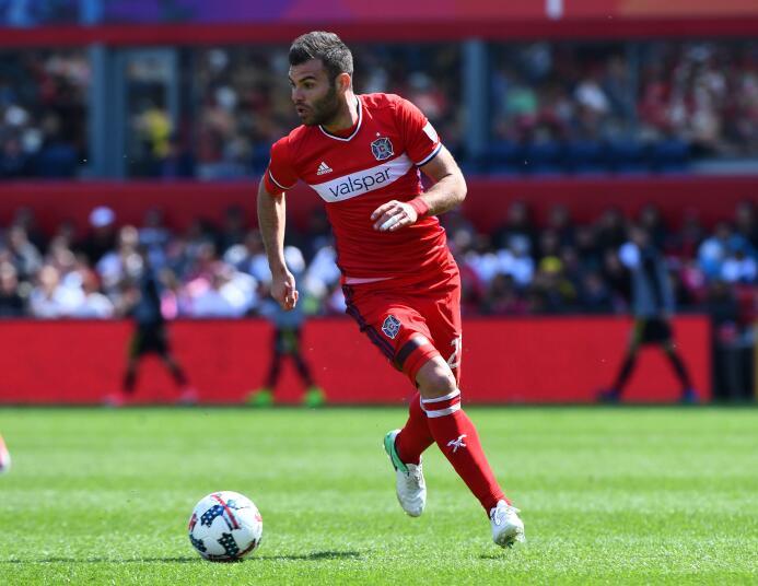 El goleador húngaro Nikolic y el uruguayo Diego Fagundez en el Equipo de...