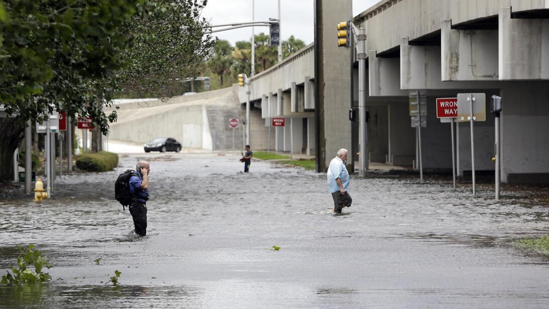 In photos: Getting home after Hurricane Irma El downtown de Jacksonville...
