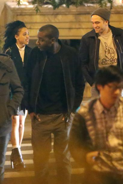 Robert Pattinson y FKA Twigs salieron a divertirse en un club de Los Áng...