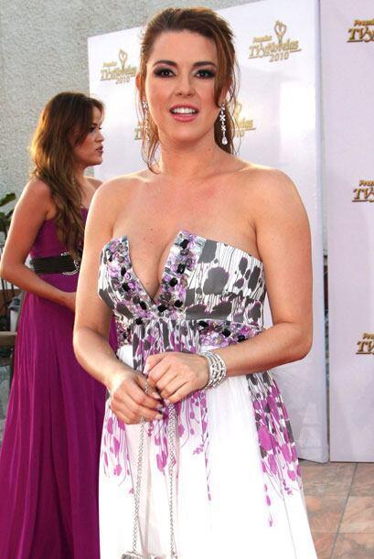 Alicia Machado también tenía ganas de impactar y lo logró con este look.