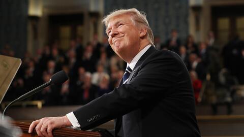 El presidente Donald Trump pronuncia su primer discurso ante el pleno de...