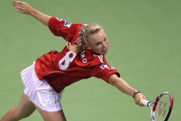 La jugadora danesa salió a calentar con la camiseta de Steven Gerrard.