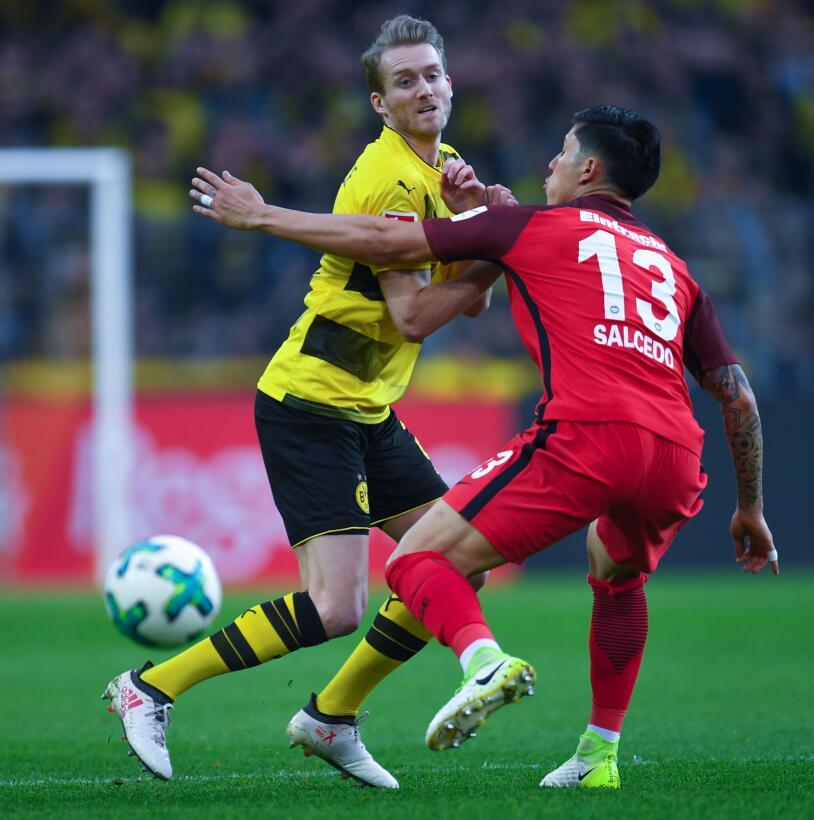 Borussia Dortmund 3-[2] Eintrach Frankfurt: el único mexicano que jugó e...