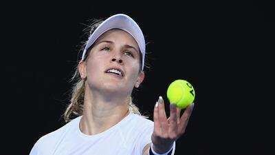 Eugenie Bouchard, un 'ángel' en acción durante el inicio del Australian Open