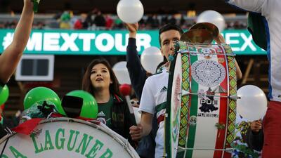 Fuera de competencia: los detalles en el estadio en el partido de México contra Islandia