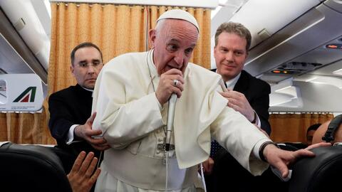 El papa Francisco pide de nuevo un diálogo para superar la crisis en Ven...