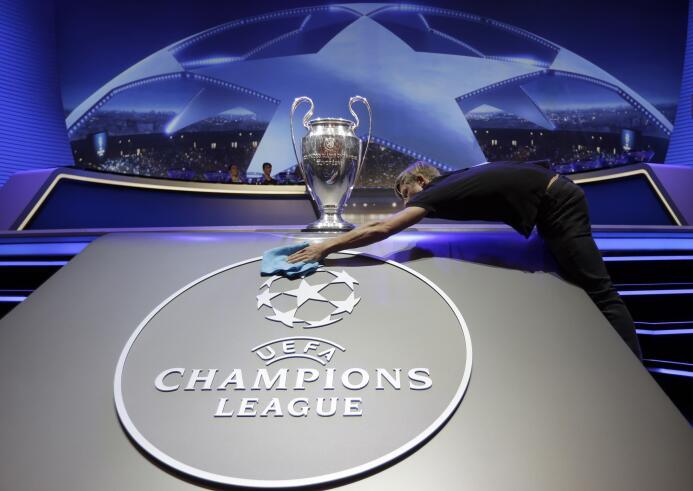 Así se vivió la ceremonia del sorteo de grupos de la Champions League 20...