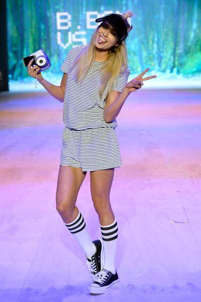 Únete al furor del mundial usando unas divertidas y joviales calcetas la...