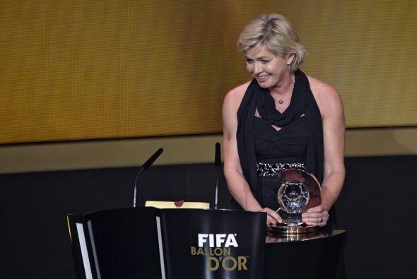 La responsablede la selección femenina alemana Silvia Neid fue elegida m...