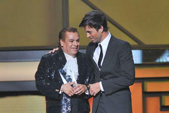 Enrique Iglesias fue el que anunció a la Persona del Año.