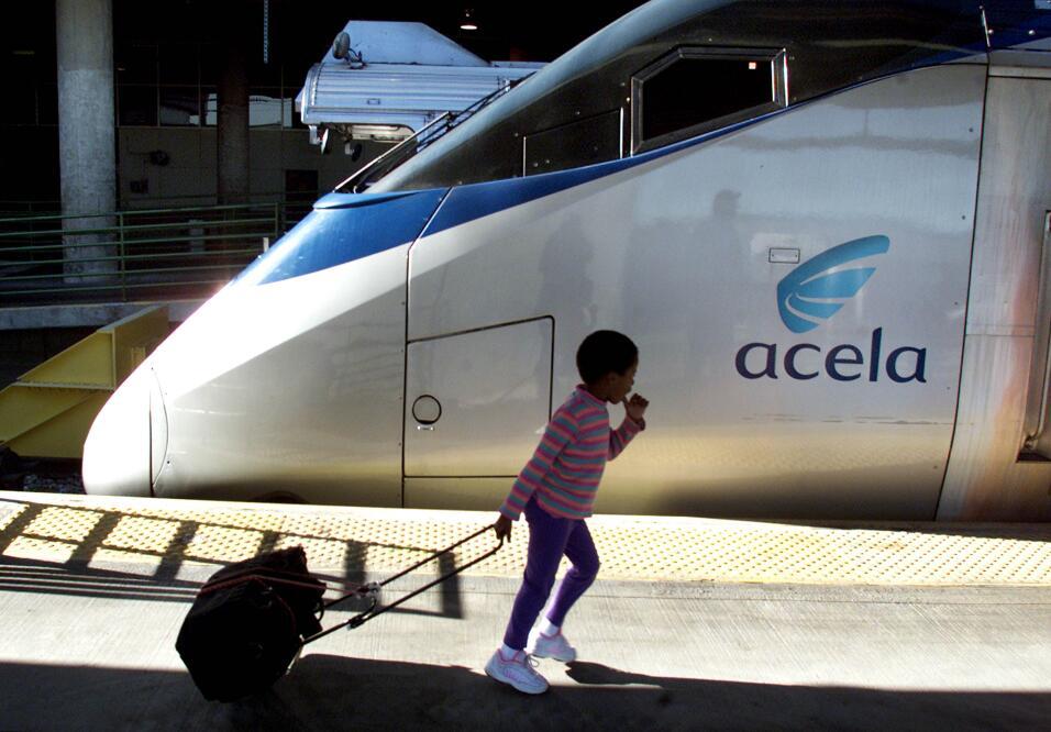 El tren Acela, que recorre el corredor del noreste conectando Boston, Nu...