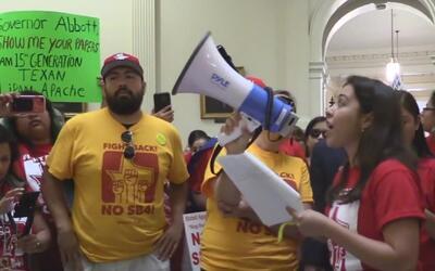 Activistas convocan a un boicot en rechazo la ley SB4
