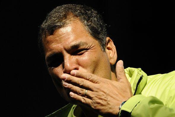 Los ecuatorianos están llamados a las urnas para participar en el...