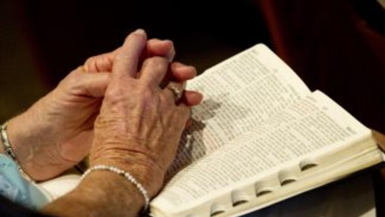 Mientras el 87% de los hispanos posee una Biblia, solo el 8% la lee regu...