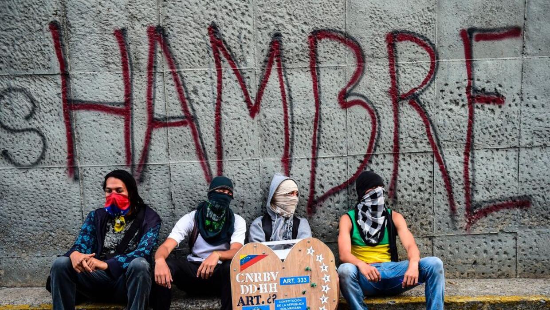 Opositores se concentran cerca de donde murió el joven activista Neomar...