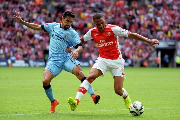 Poco a poco, el peligro creado por Arsenal dejaba al City en jaque.