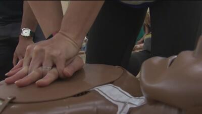 Más de 450 maestros y personal escolar reciben entrenamiento de reanimación cardiopulmonar