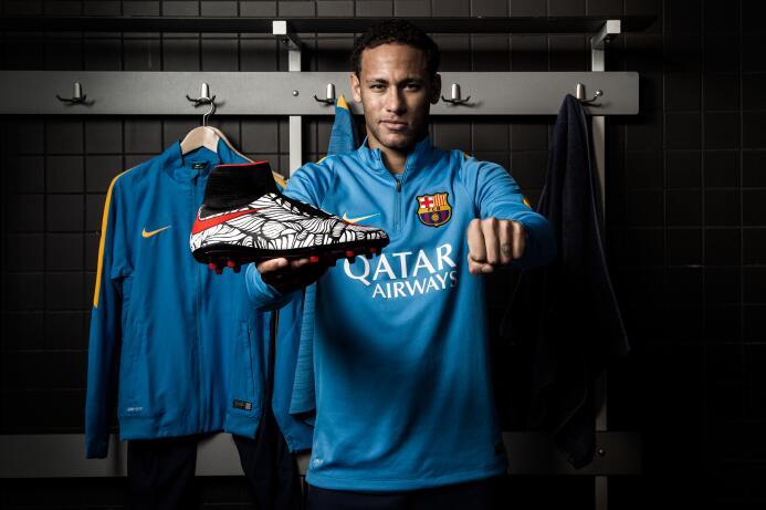 Neymar reveló sus botines Ousadia Alegria