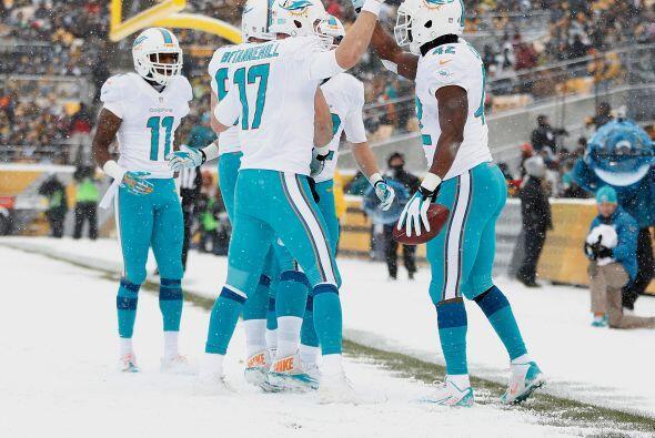 Los Miami Dolphins derrotaron a domicilio a los Pittsburgh Steelers por...