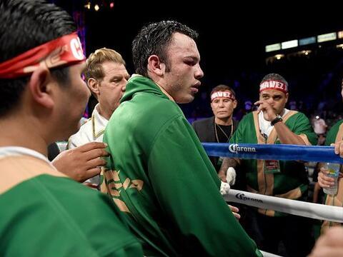 Julio César Chávez Jr. fue dominado y perdió en el...