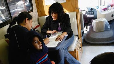 Clínicas móviles para ayudar a los hispanos