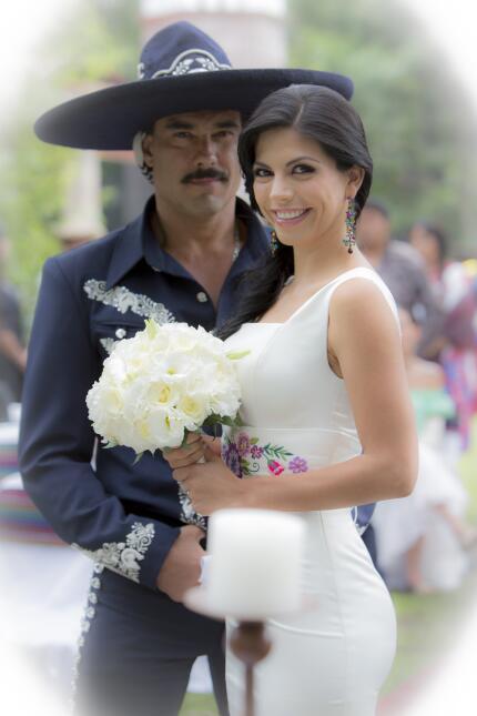 Soon-to-be husband and wife: Eduardo Yanez and Africa Zavala