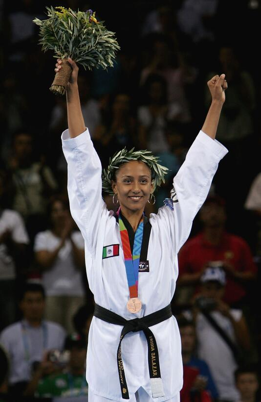Iridia Salazar: se colgó la medalla de bronce en Atenas 2004 en la prueb...