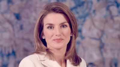 ¡Escándalo real! Reina Letizia fue retada a echarse el agua helada