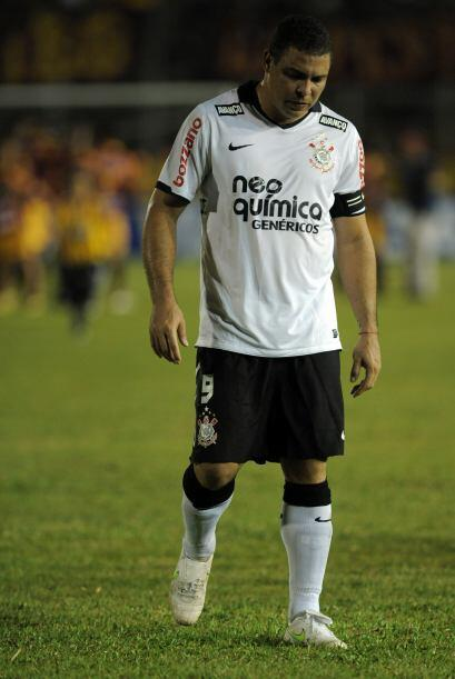 Ronaldo dejando el estadio del Deportes Tolima luego de la caída del Cor...