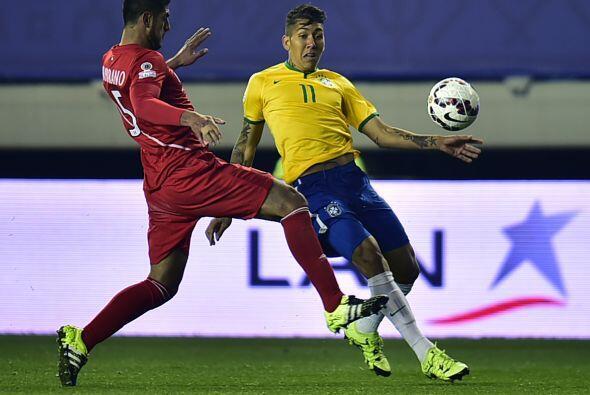 Mientras que la selección brasileña cayó en un juego monótono, ya que to...