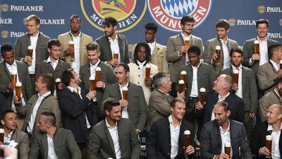 Bayern Munich y su tradicional foto con cerveza en mano