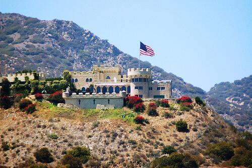 El desaparecido 'Castillo Kashan' en el pico de una montaña de M...